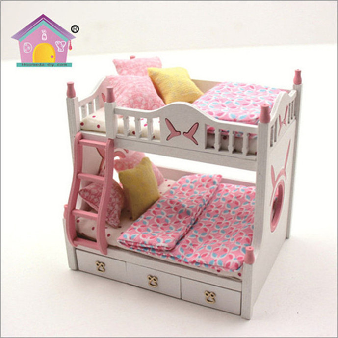Assembly toys doll house furniture and family 1/18