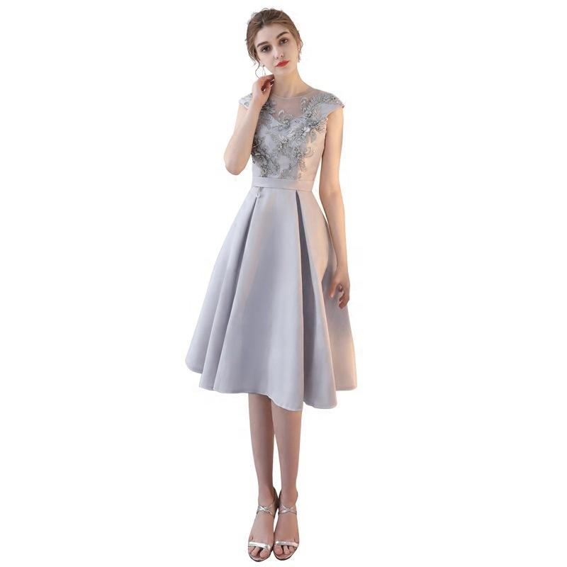 03a8662ff6 2019 Nouveau style d'été pour femmes tempérament broderie volants col rond  robe ...