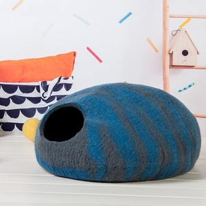Amazon hot sale Eco- Friendly wool felted cat cave from manufacturer