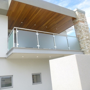 Indoor baluster frosted glass balcony balustrade