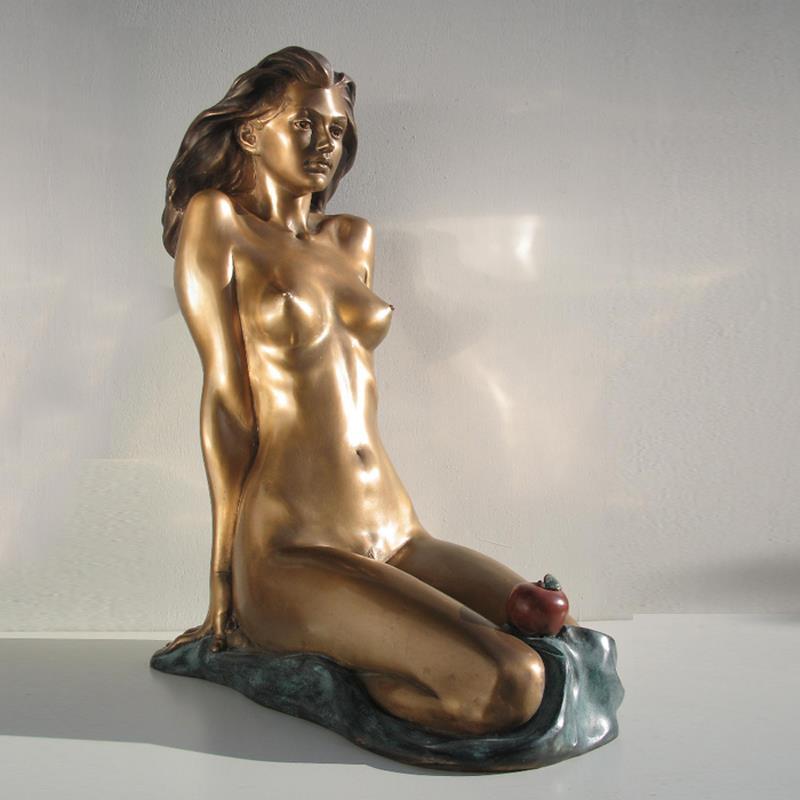 Nude woman sculpture by arthur hakobyan
