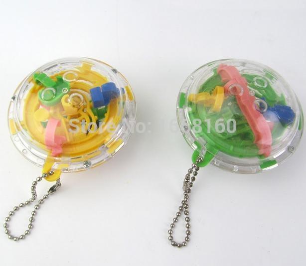 100pcs Super Mini 3D Maze task Ball Toy Key chain 30levels 5 5 3 5cm Puzzle