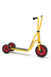* 3 WHEEL SCOOTER