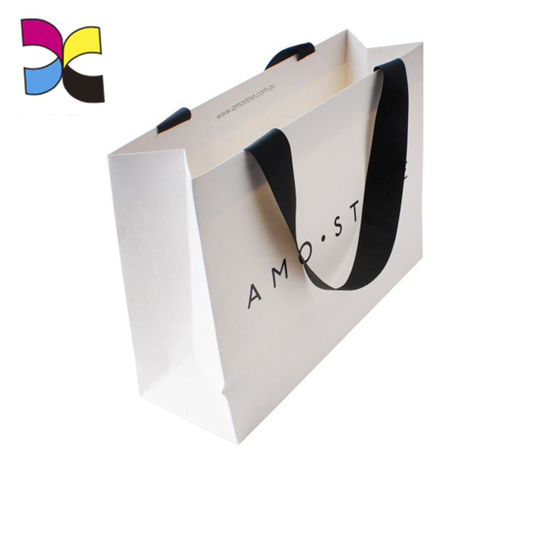 white bag packaging (5)