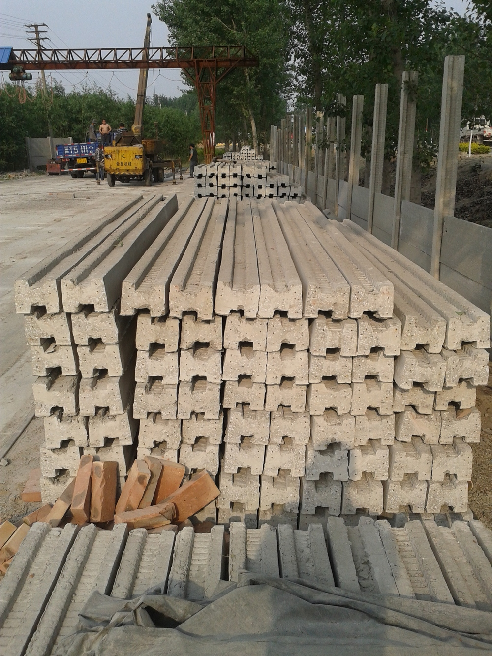Precast Concrete Fencing : Cement pillar fence post precast concrete mold buy