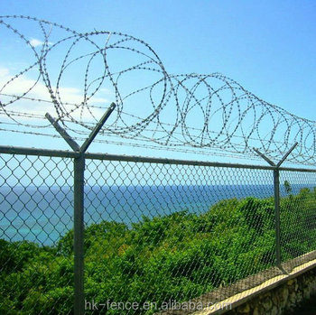 chain link galvanized fence with top barbed wire and diamond mesh for airport or boundary chain m29 chain