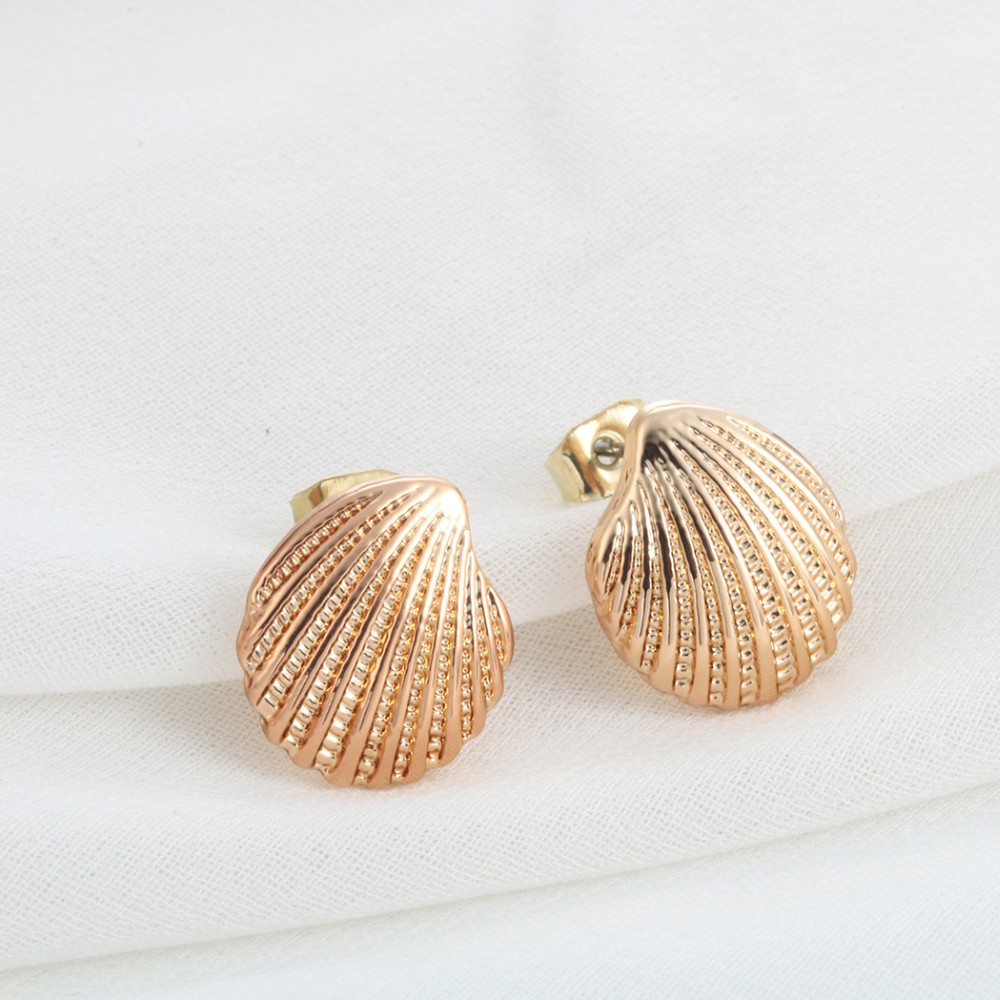 Fashion Earrings for Women Wholesale Fashion Beautiful Ancient Tiny Scallop Shells Earrings Jewelry