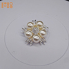 2018 china suppliers flower shaped pearl channel brooch beautiful brooches