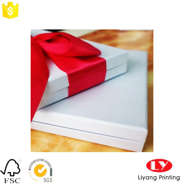 cologique papier d 39 emballage v tement blanc cadeau bo te avec couvercle chine fabrication buy. Black Bedroom Furniture Sets. Home Design Ideas