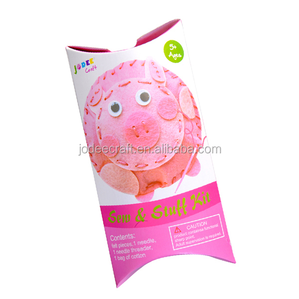 Sewing felt crafts for kids to make---pig