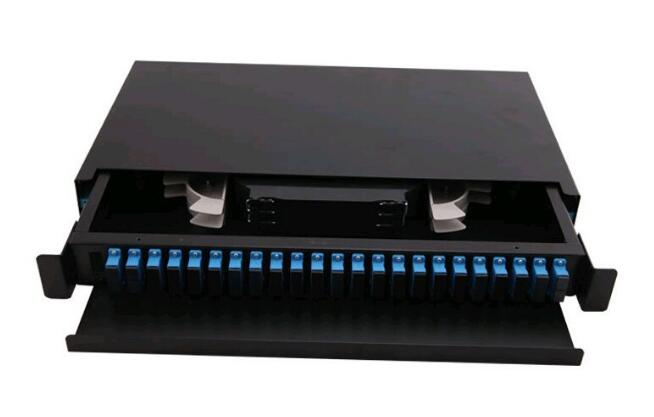 China Factory FTTH 19 Inch Slide Rail Rack Mount Drawer 8 12 24 48 96 144 Port Distribution Box Fiber Optic Patch Panel