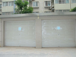 Automatic Residential Sliding Garage Doors/ CE approved Sectional Garage Doors With Pedestrian Door
