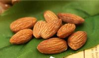 Sweet California Almonds Available/ Raw Almonds Nuts, delicious and healthy Raw Almonds Nuts Almond/Apricot
