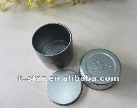 Metal round candle tin with seamless bottom