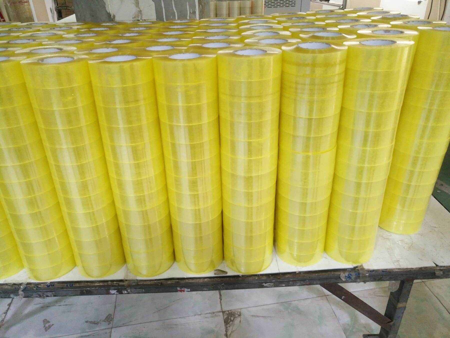 yellow clear transparent tape for packing bopp self adhesive tape 48mm x 66 mtrs
