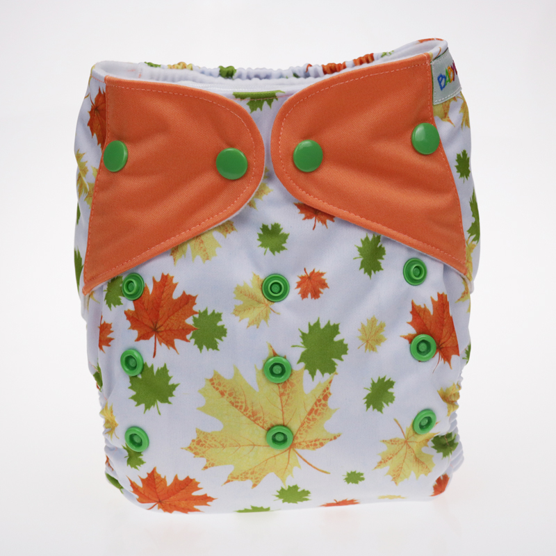The baby cloth diapers for stitching wings with Maple leaf patterns