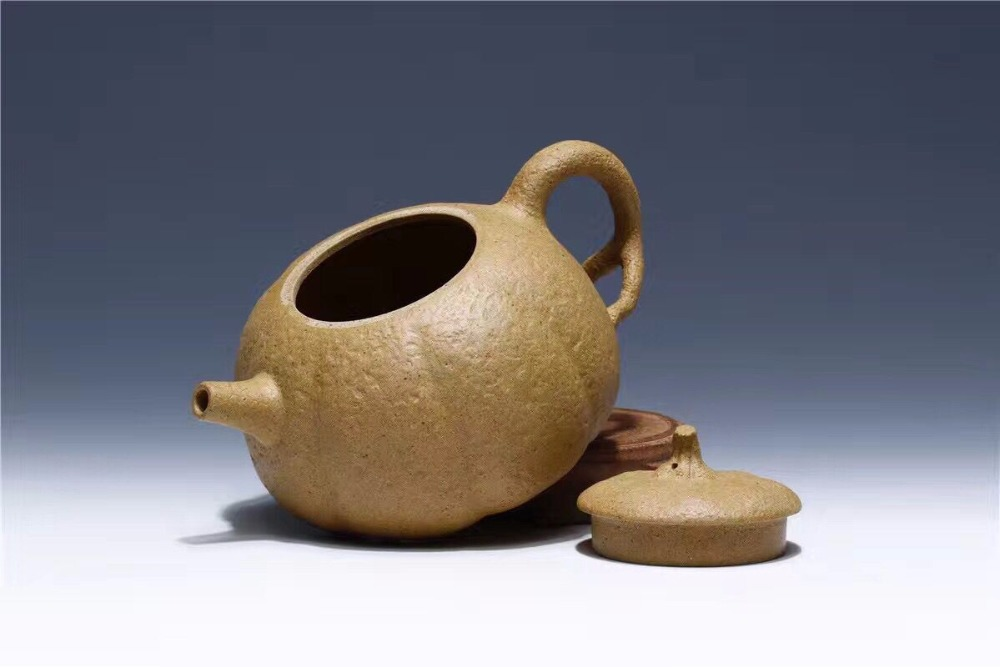800cc very big volume and beautiful ceramic /purple clay teapot sale to France