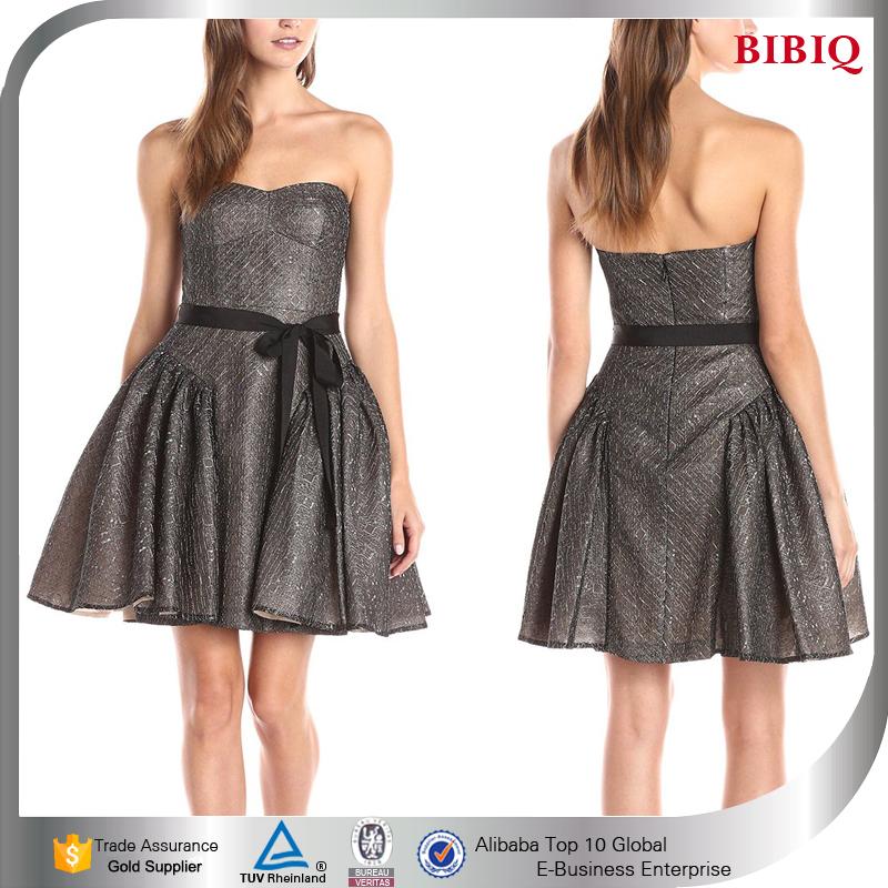 Vestidos de fiesta de navidad vestidos formales cortos patrones 2016 llamarada elegante sin tirantes vestidos de