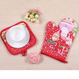 Cotton Christmas oven mitts red printed apron oven mitt pot holder set wholesale