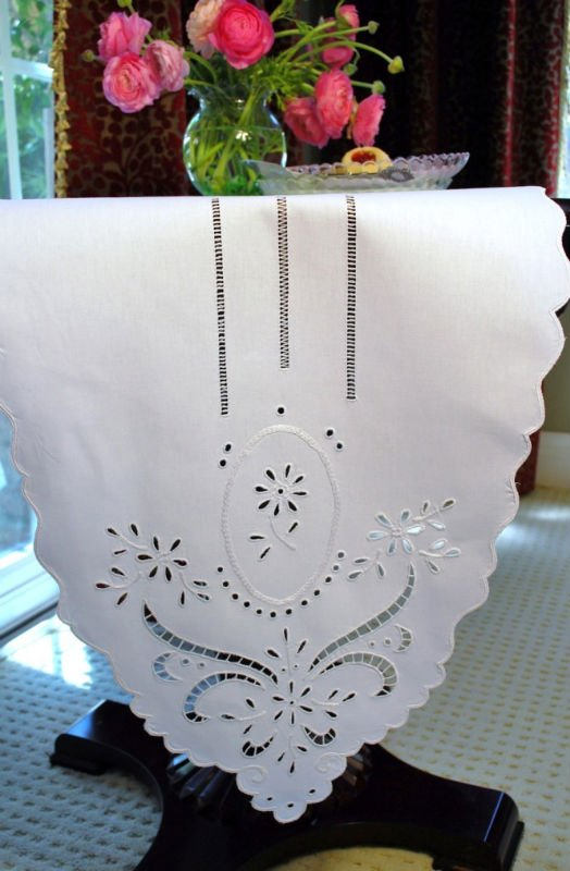 hand embroidery table runner, View embroidery table runner, Quang ...