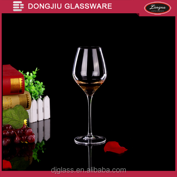Dongjiu Hot selling Clear mouth-blown Crystal Red Wine Glass with 570ml capacity