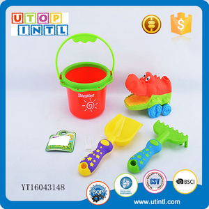Cartoon buckets and spades plastic bulk sand crocodile beach toy set