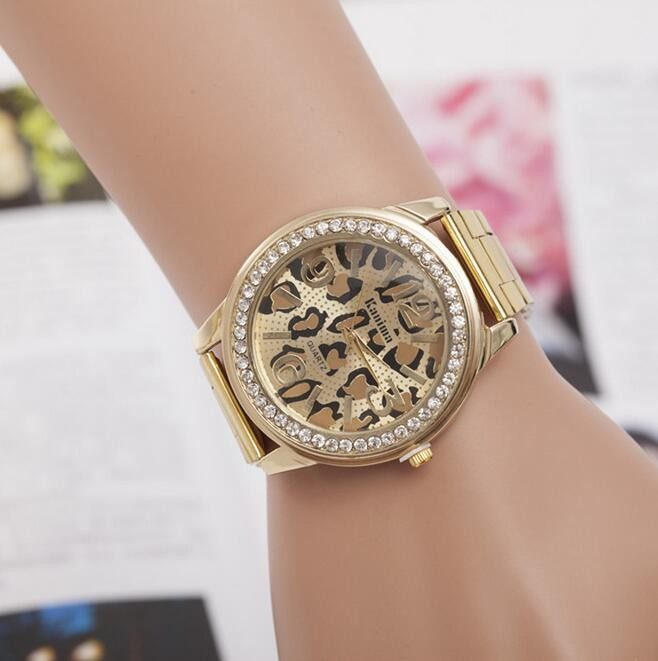 2017 Wholesale gold alloy watches Leopard wrist watches for <strong>men</strong> and women HW03
