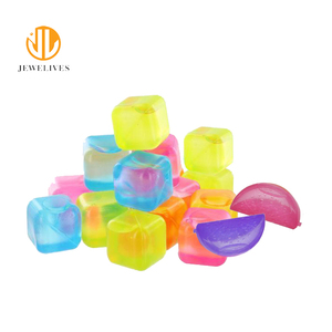 Colorful BPA free reusable plastic ice cubes wholesale