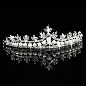 Wholesale Silver White Pearl Rhinestone Crown Tiara Suitable For Wedding