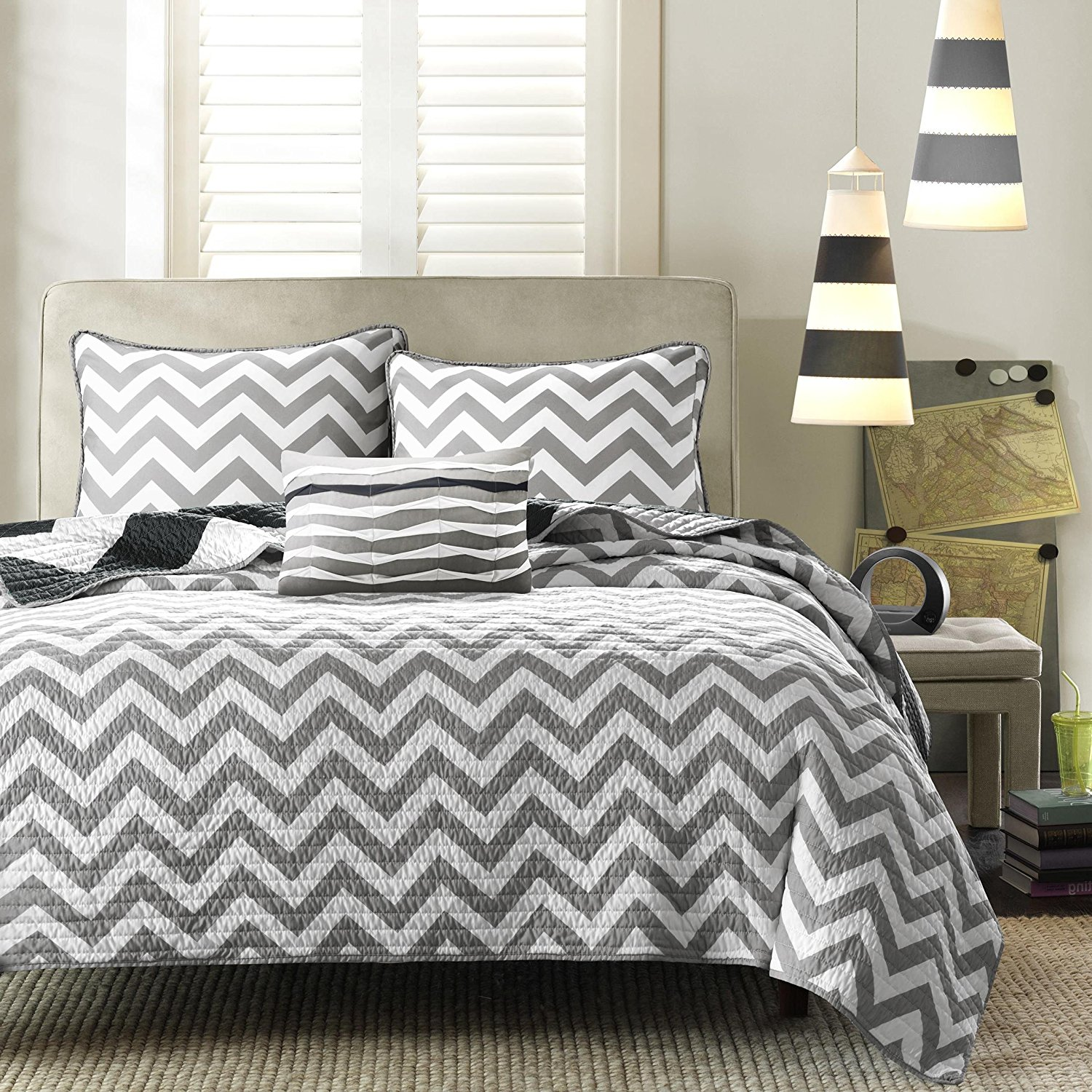 F&W 3 Piece Beautiful Black White Twin Quilt Set, Chevron Pattern Themed Reversible Bedding Zig Zag Chic Geometric Trendy Modern Grey Contemporary Vibrant Stylish Bold, Polyester
