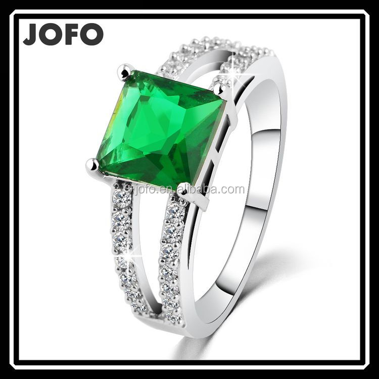 <strong>Silver</strong> Plated With Semi Precious Stone Emerald Gemstone Ring