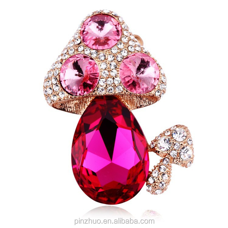 2015 Hot Sale Professional Yiwu Factory, Lovely Cheap Crystal Brooch