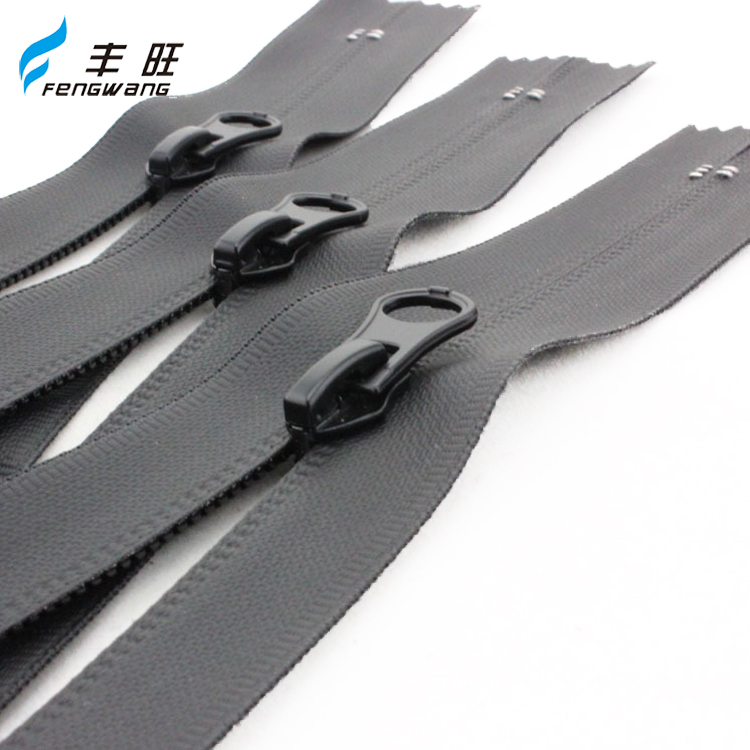 Good price of waterproof zippers for garment production family use