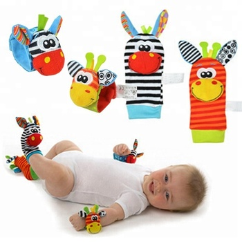 2017Hot Sale Newborn Baby Rattles Stuffed Toys Animal Socks Wrist Strap Education Toy For Toddlers Baby Socks