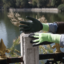 NMSAFETY 13g hi-viz green nylon liner and spandex black nitrile glove nitriled dots on palm wroking gloves