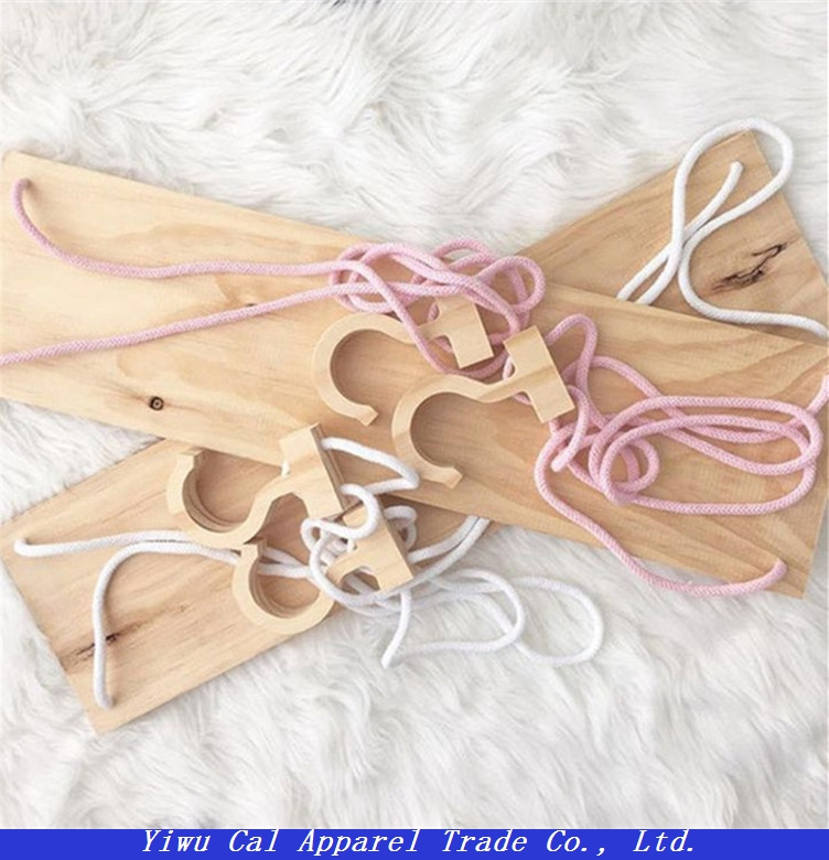 Suspended wooden Children's shoes rack handmade crafts