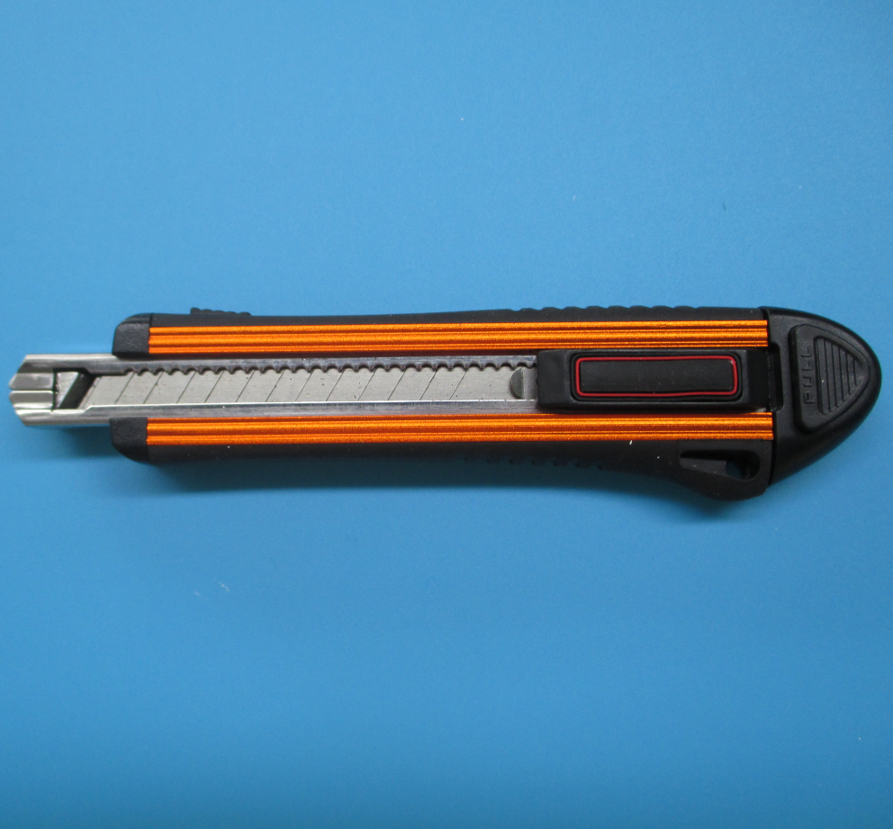 Specialized Back Lock Retracting Safety Knives