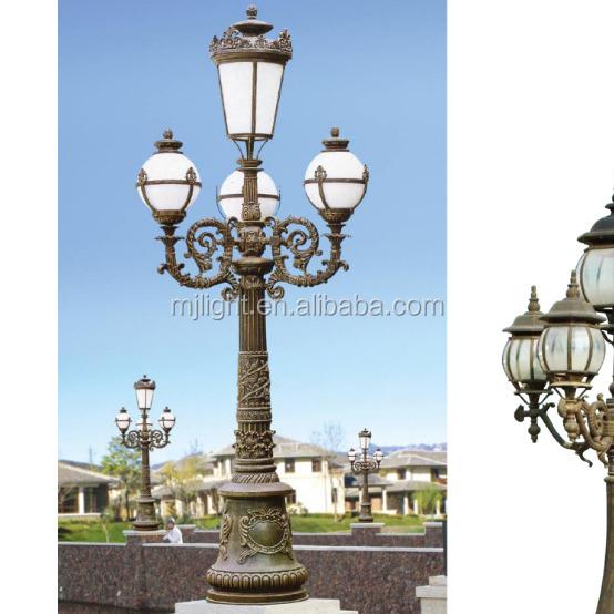 Outdoor Antique European Style 4 Lamp