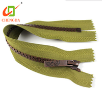 CHENGDA Fashionable Brand Close Ended 3# Bag Resin Teeth Plastic Tape Zip Zipper