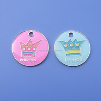 Best selling custom Christmas prince and princess Merry Christmas gifts charms with epoxy 2017