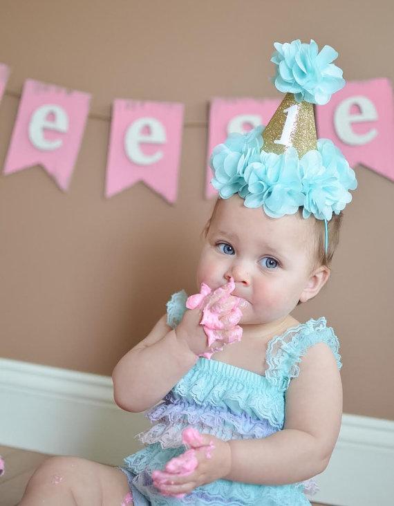Nette Hariband Fur Baby Madchen Gold Crown Mit Hubsche Blumen Glitter Sauglingsstirnbander 1st Birthday Party DIY