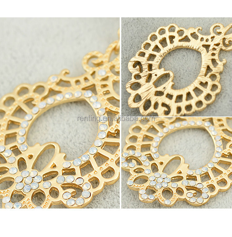 Fashionable Unique Design Gold Filigree Fancy Earrings