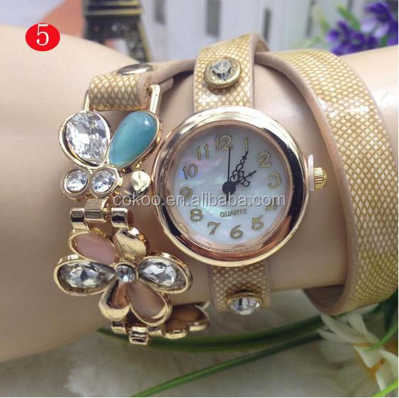 lady vintage leather strap watches,set auger flower rivet bracele,women wristwatches