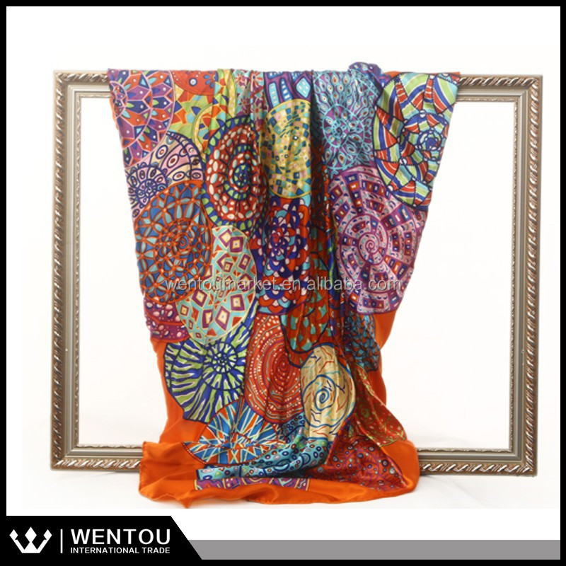 2015 New Arrival Customed Design Totem Printed Turkish Silk Scarf