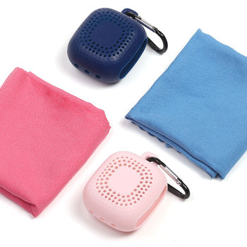 New Sport Products Microfiber Pocket Size Gym Sport Quick Dry Towel With Silicone Box