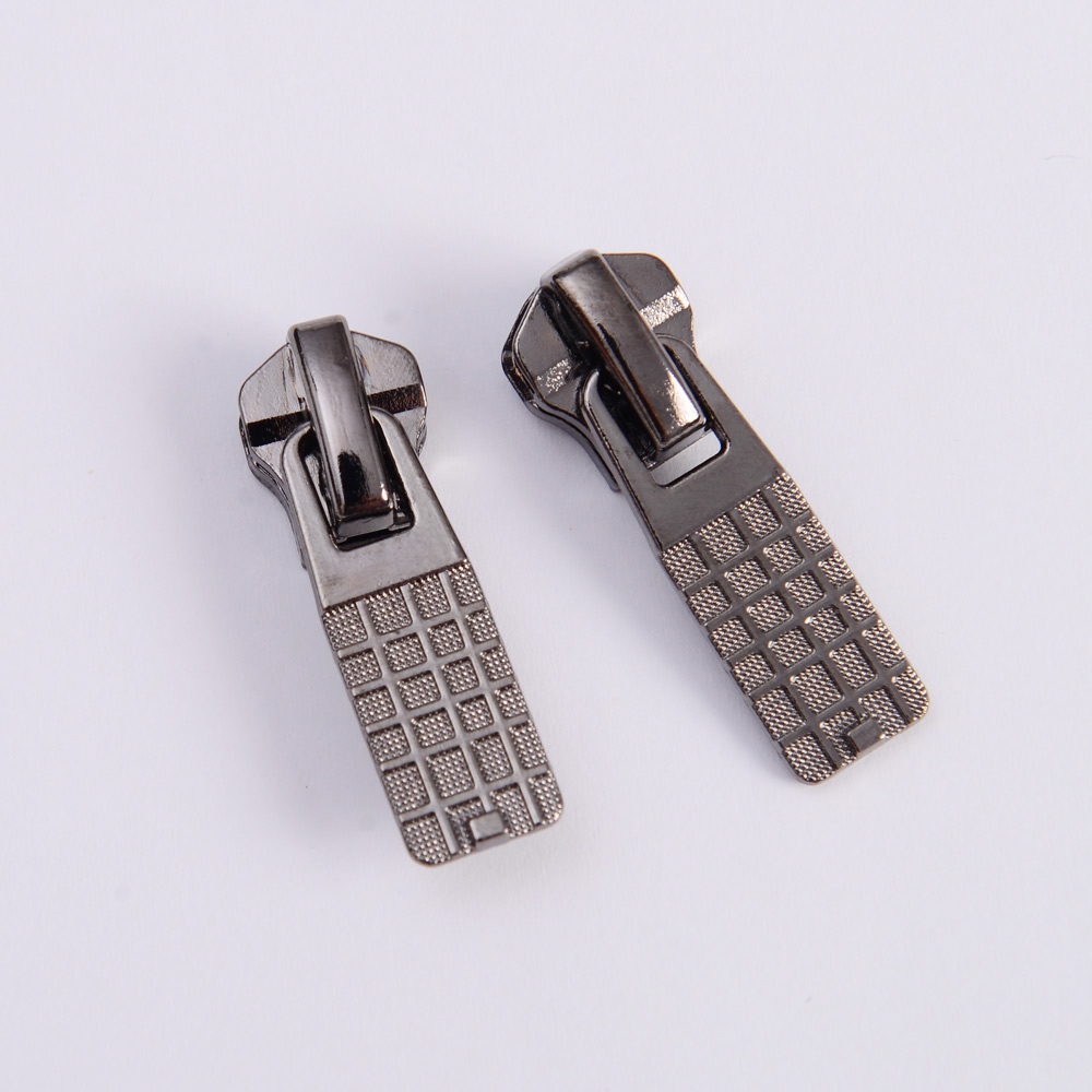 No.5 A/L Metal Zipper Slider with Decorated Pull