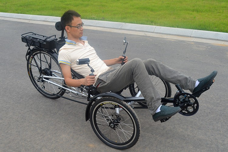 Three wheel recumbent bike for adults