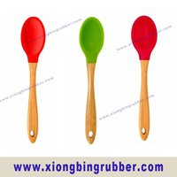 FDA standard silicon baby feeding spoon with bamboo handle