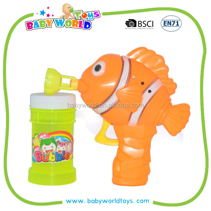 Plastic fish blowing bubbles gun toys