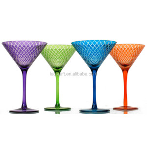 Factory of hand cutting martini cocktail glasses colour for bar